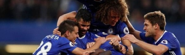 Chelsea-team-celebration-after-NGolo-Kante-goal-v-Man-Utd-640x400-min